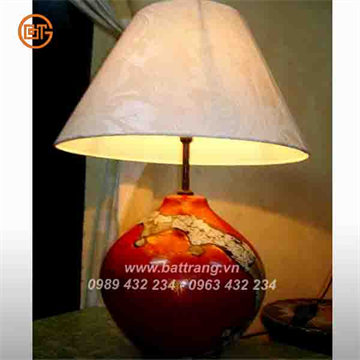 Bat Trang lacquer ceramic lamps - A fashionable appearance for traditional Bat Trang ceramics hotel lamps